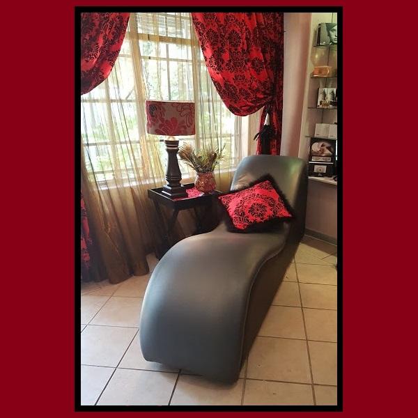 3579 – P4P TANTRA CHAIR 1