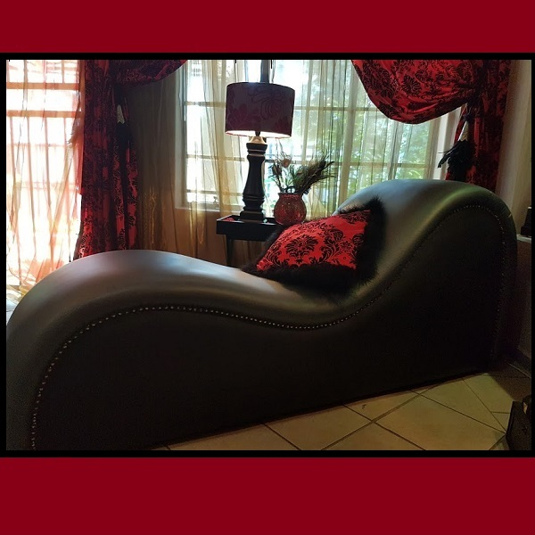 3579 – P4P TANTRA CHAIR 2