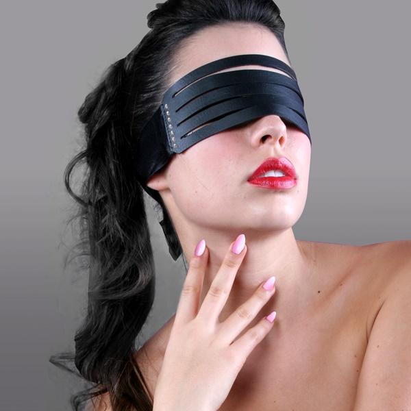1429 – SECRET PLAY LEATHER STRIP BLINDFOLD 1