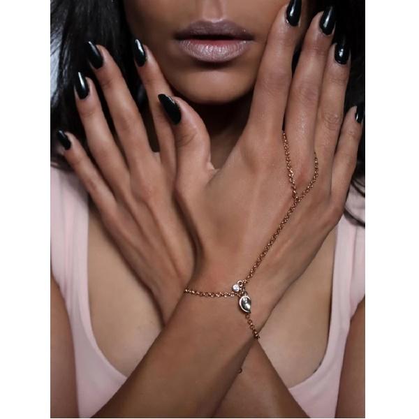 1825 – Drizzle Hand Chain 3